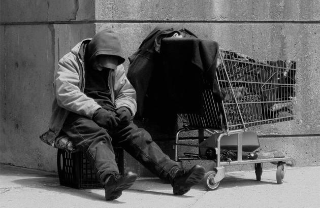 چرا فقرا اینقدر تصمیمهای بد میگیرند؟