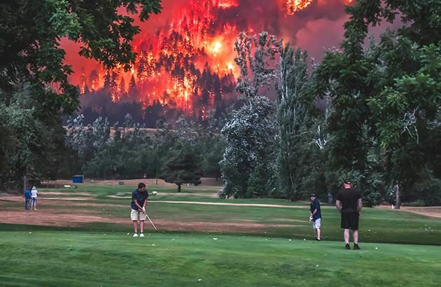 آتشسوزی در ایگلکریک واقع در ایالت اورگن آمریکا. عکاس: کریستی مککلور.